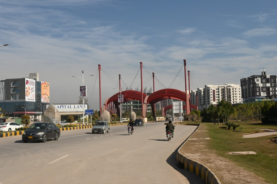 Gulberg-Green-Bridge-034.JPG